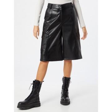 Soft Rebels Shorts 'Alma' in schwarz